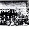 eb2_Hatfield-clan,-1897-with-women-&-children