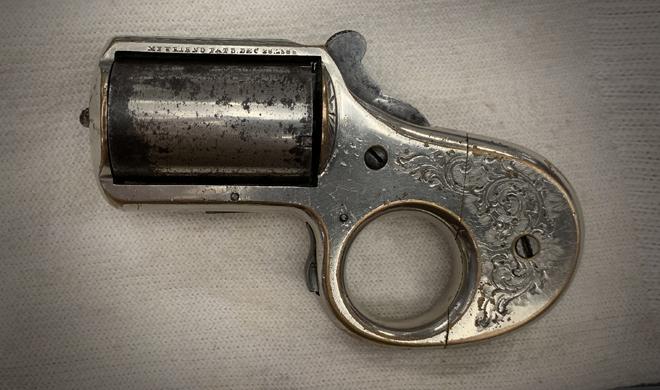 Deringer handgun